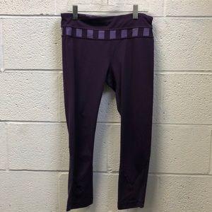Lululemon purple crop legging, sz 6, 62718